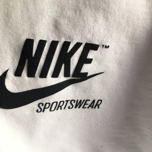 Nike Tops - Nike crop top